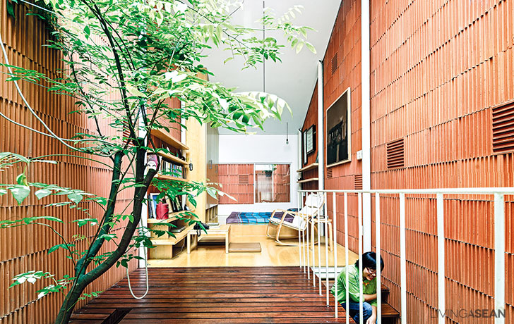 Home Renovation / 27 SQ.M. Row House Project in Vietnam