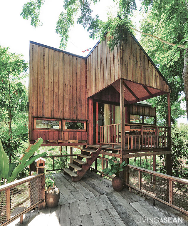 4 small house units in tranquil tropical living for Simple tropical house plans