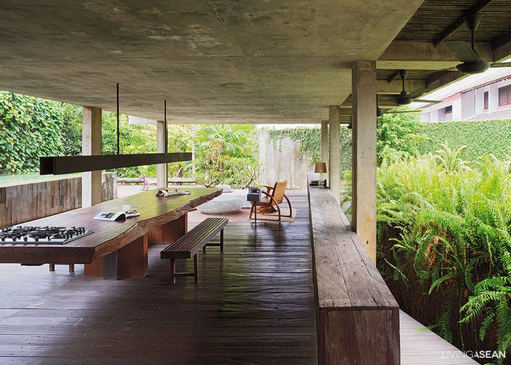 Modern tropical home in indonesia living asean for Tropical house design