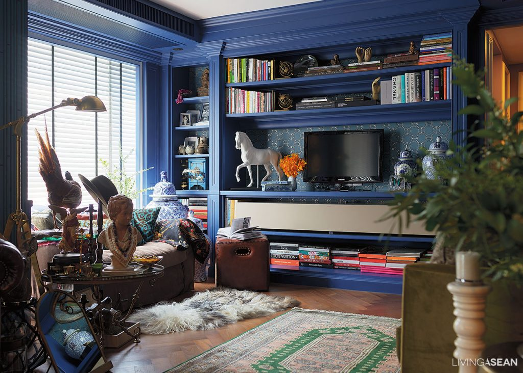 Eclectic Style with Blue Shade