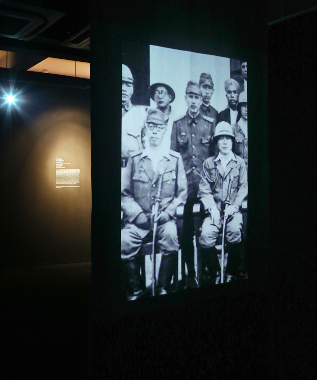 The arrival of the Japanese army in Java is shown through the projection of two images on a fabric screen. – Dollah Jawa by Faizal Hamdan (Brunei)