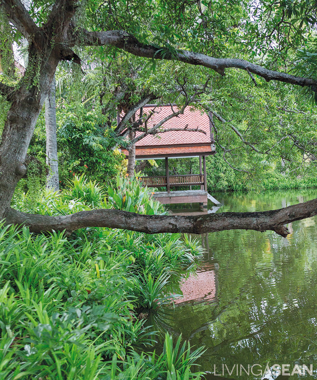 Every residential unit has a pier that juts out over the water. Made for relaxation, the raised structure is hemmed in by lush foliage and mature trees including banyan, mast, and coconut groves. Nearby, fragrant pandan plants thrive turning it into a sweet-smelling pond.