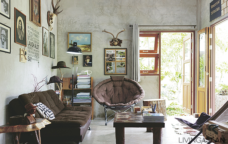 Home of a Wood Lover / a Mixture of Wood and Concrete