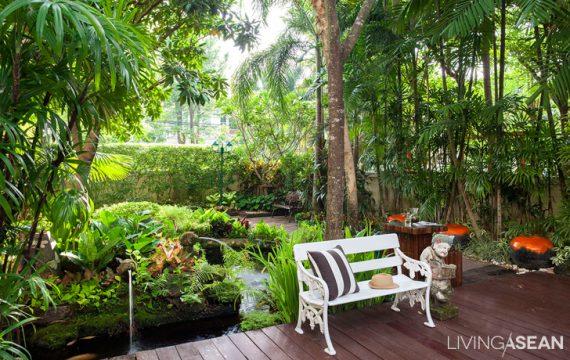Stunning Authentic Tropical Garden