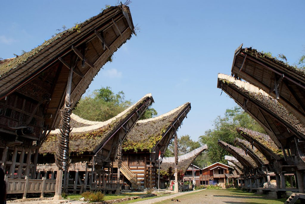 Traditional_Toraja_House