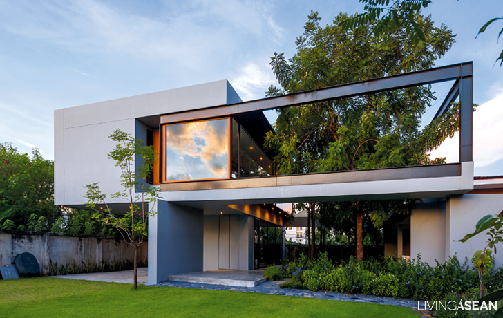 Box Shaped House With A Tropical Style Garden Living Asean