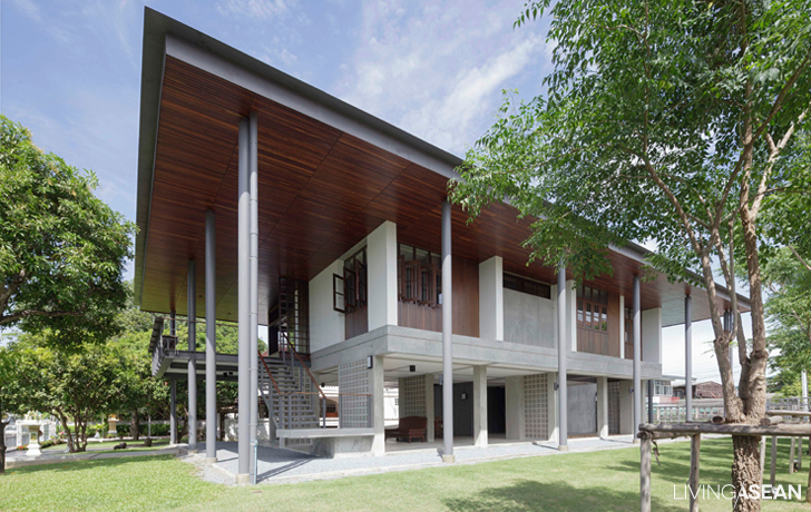 Modern Thai House Celebrates Traditional Charm