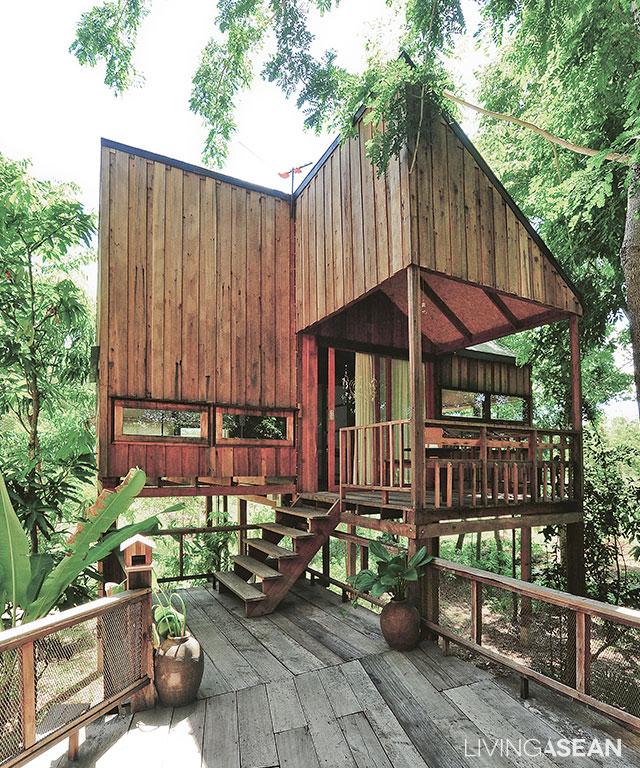 Http://livingasean.com/house/4 Small House Units Tranquil Tropical Living/
