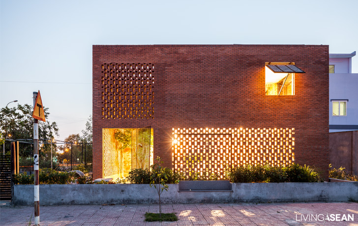 Brick house For a Tropical Climate