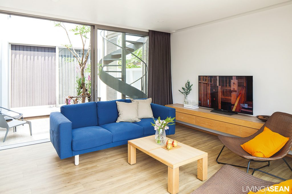 Minimal style boxlike house in thailand living asean for Asean furniture