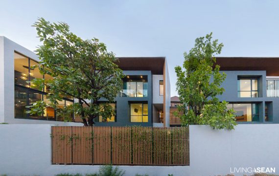 Twin Houses, Modern Thai Style