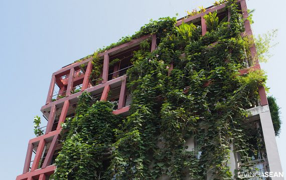 7-Story Ivy-Covered Home with a Green Façade