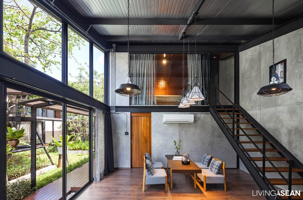 A Steel House For A Big Family Living Asean