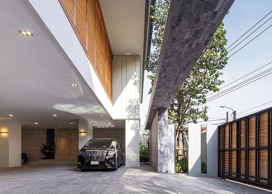 Modern Home ReGEN House Ekar Architects