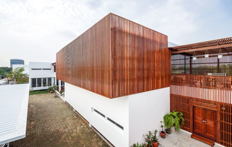 Modern House with a Thai Flavor