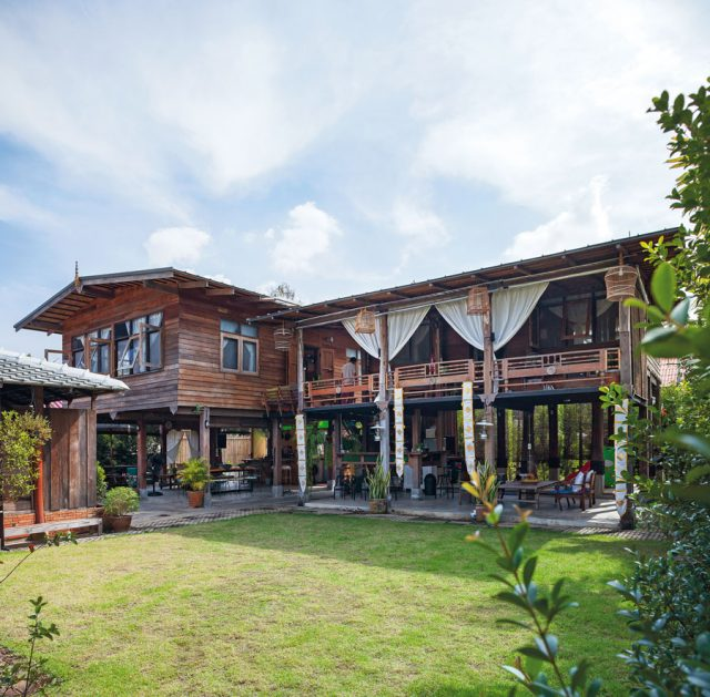 "Wooden House with Thai-style ""Tai Thun"""