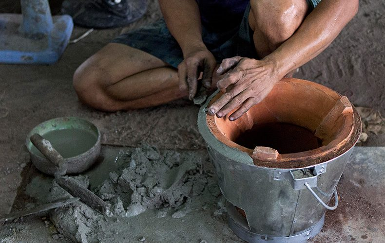 "The Making of the ""Super Ung-Lo,"" Ratchaburi's Fuel-Efficient Cook Stove"