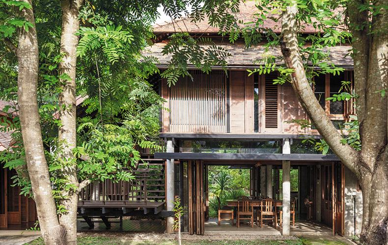 """""""Huean Tham,"""" Local Thai House in a Japanese Tradition"""