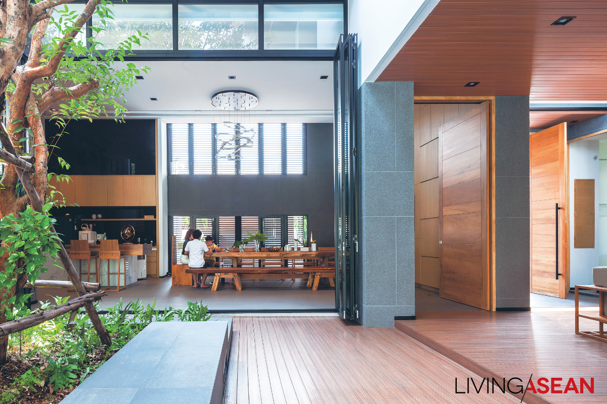 Contemporary Thai House Enhanced with Local Tradition
