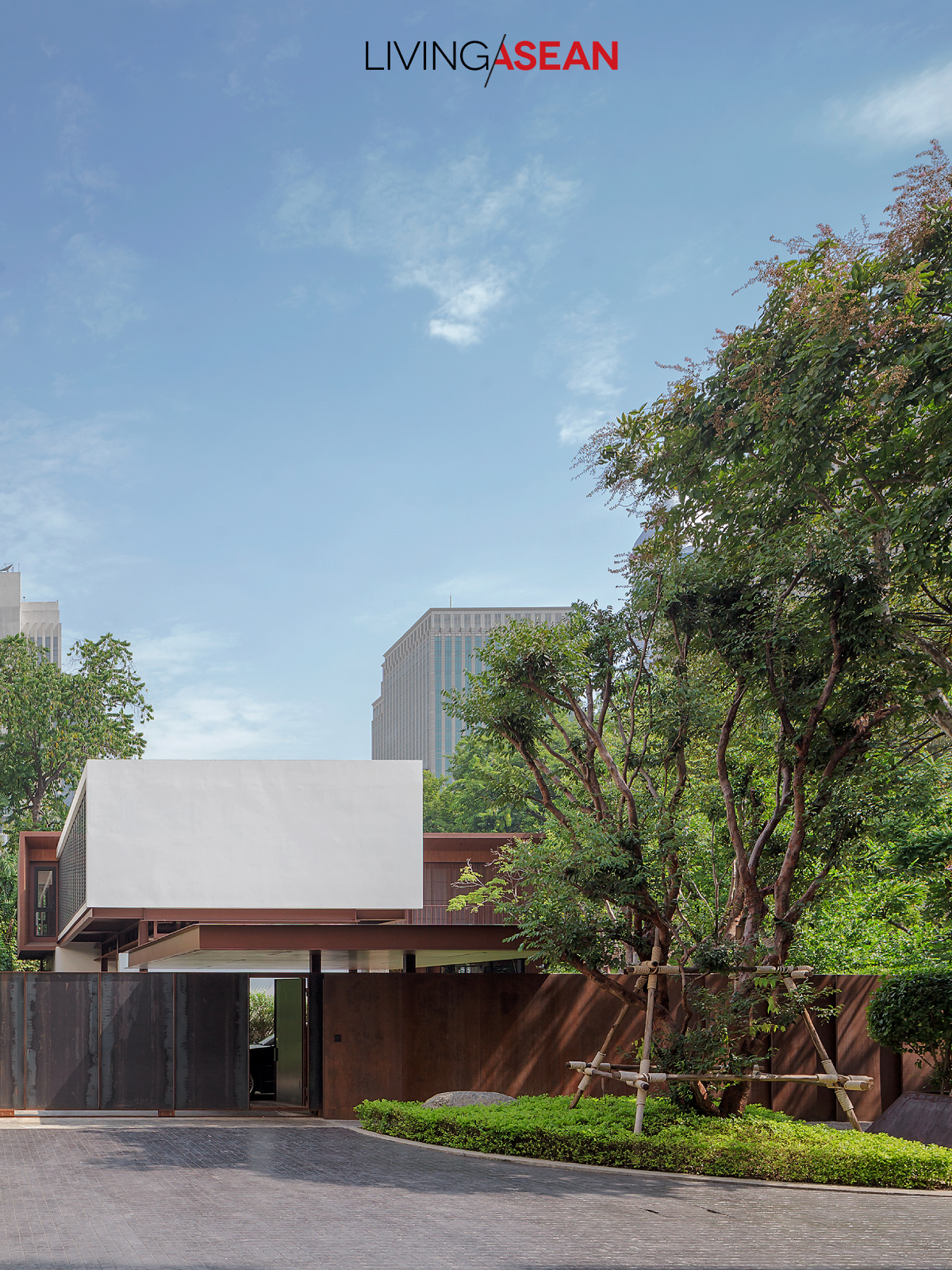 Box-shaped House Vin Varavarn Architects