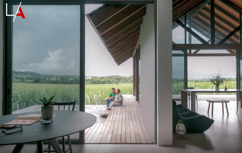သဘာဝတရား၏စွမ်းအင်ကိုရှူရှိုက်ရာ ကျေးလက်အိမ် (Burmese Version)
