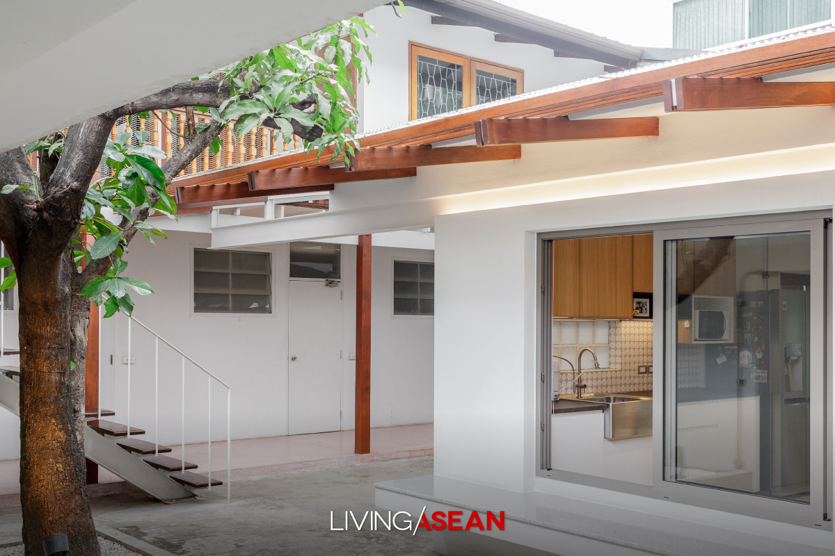 Here's the story of a home renovation done right. Cherishing memories of the good old days, Chatchawan and Punjama Lertbutsayanukul recently had grandma and grandpa's house restored to its former glory. They sought advice from Jun Sekino of Jun Sekino A+D, who turned it into a beautifully crafted home with added personality and character.