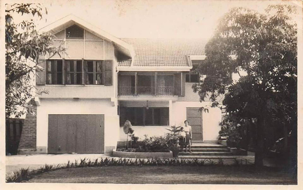 Here's the story of a home renovation done right. Cherishing memories of the good old days, Chatchawan and Punjama Lertbutsayanukul recently had grandma and grandpa's house restored to its former glory. They sought advice from Jun Sekino of Jun Sekino A+D, who turned it into a beautifully crafted home with added personality and character.Here's the story of a home renovation done right. Cherishing memories of the good old days, Chatchawan and Punjama Lertbutsayanukul recently had grandma and grandpa's house restored to its former glory. They sought advice from Jun Sekino of Jun Sekino A+D, who turned it into a beautifully crafted home with added personality and character.
