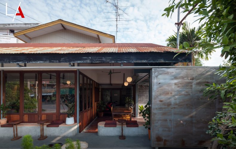 Basic Space Coffee: Old Shop Renovated as a Home Style Café