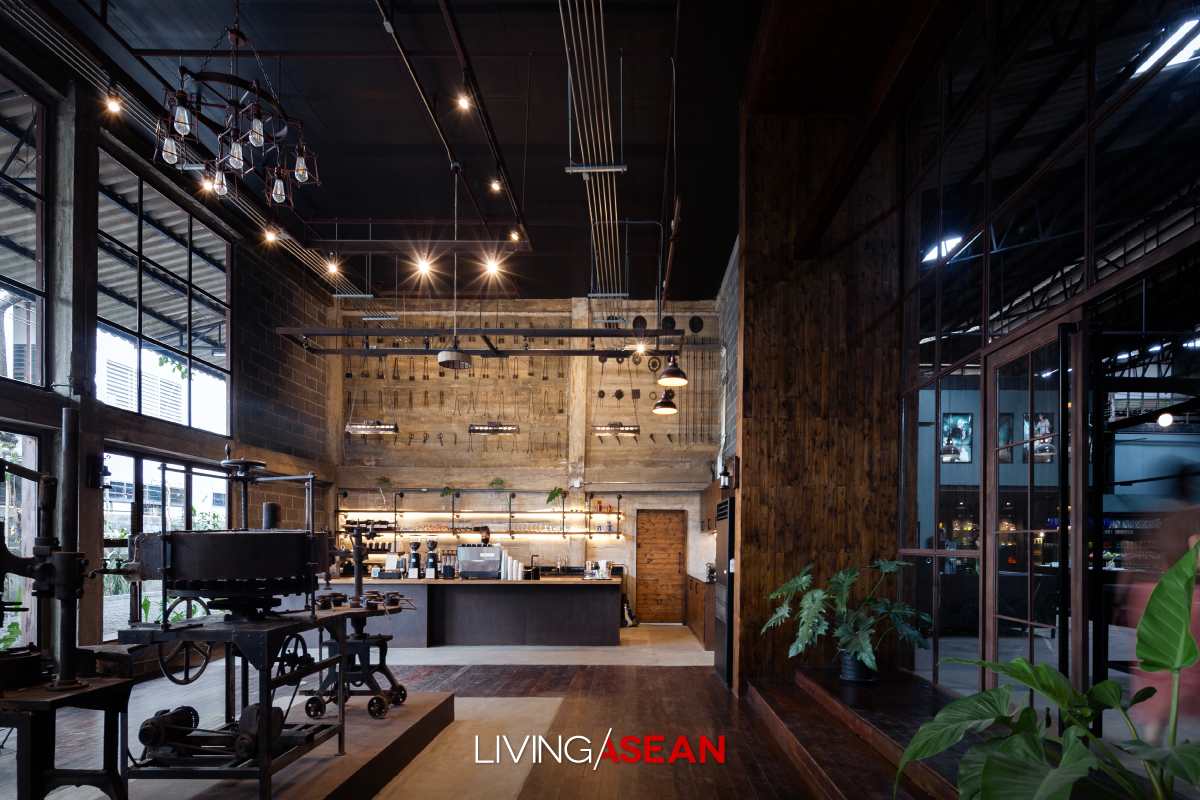 Easternglass Café the Beauty of an Industrial Loft Space