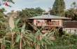 http://Stunning%20Treehouse%20Design%20Unveiled